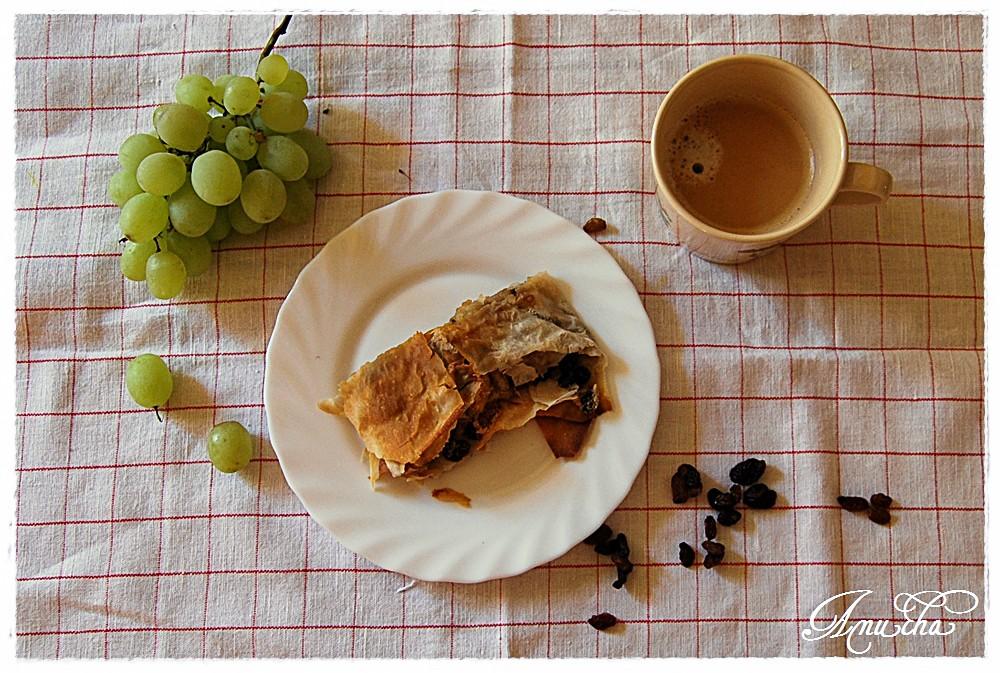 strudel jabłkowy kawa