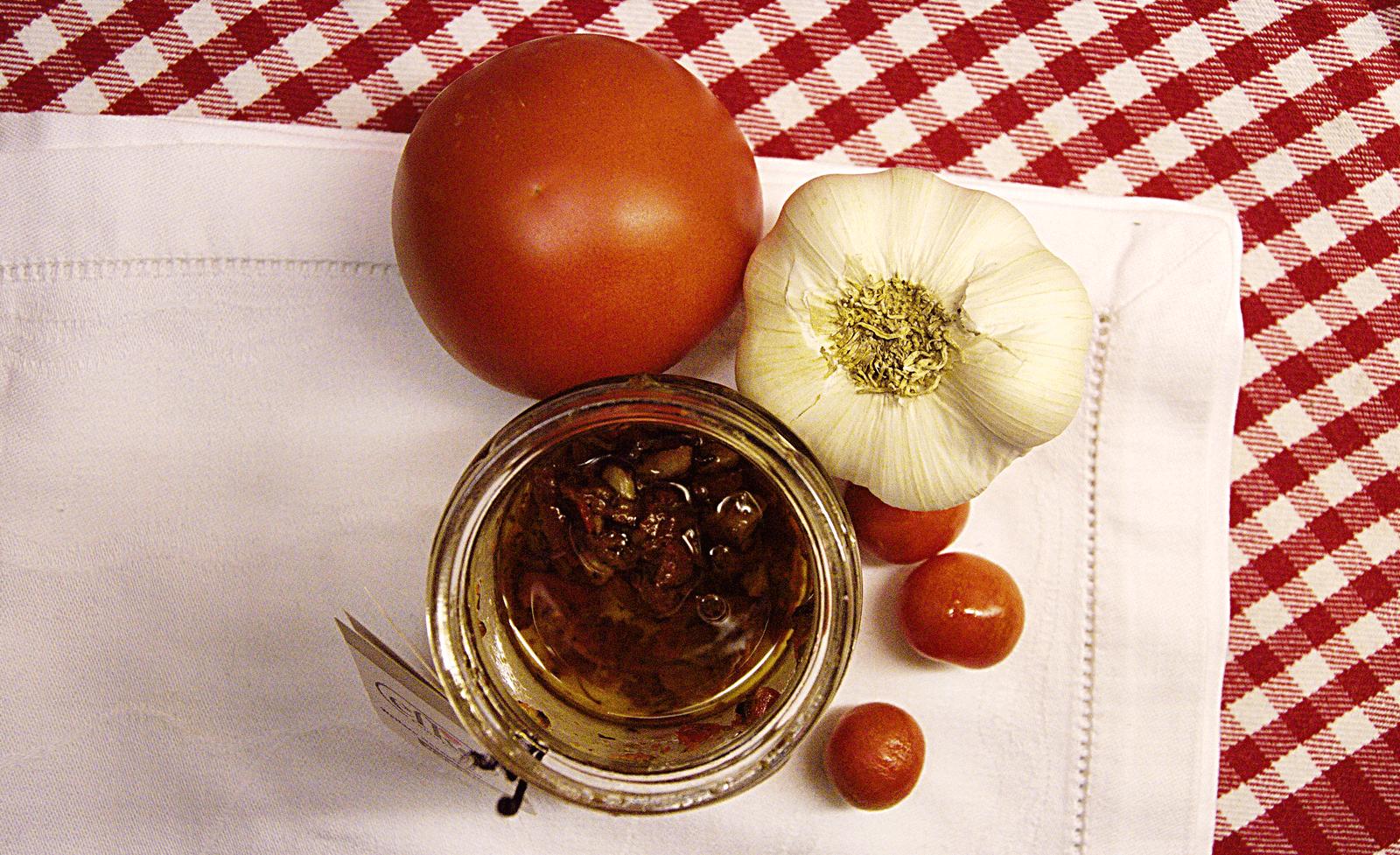 Kanapka z suszonymi pomidorami