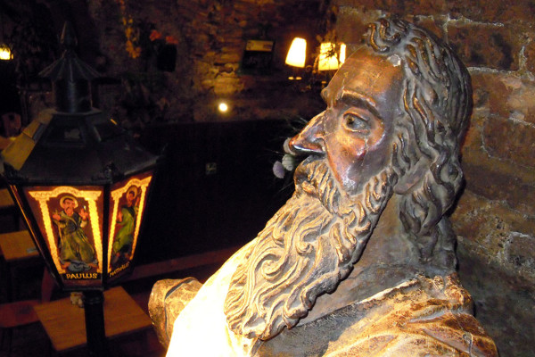 tytulowa-apostelkeller