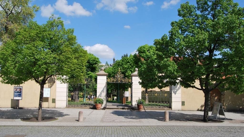 Brama do ogrodów królewskich